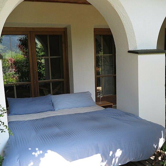 outdoor-schlaf-unter-den-arkaden.JPG