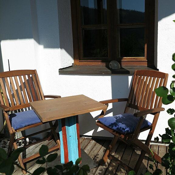 terrasse-mit-sitzgruppe.JPG